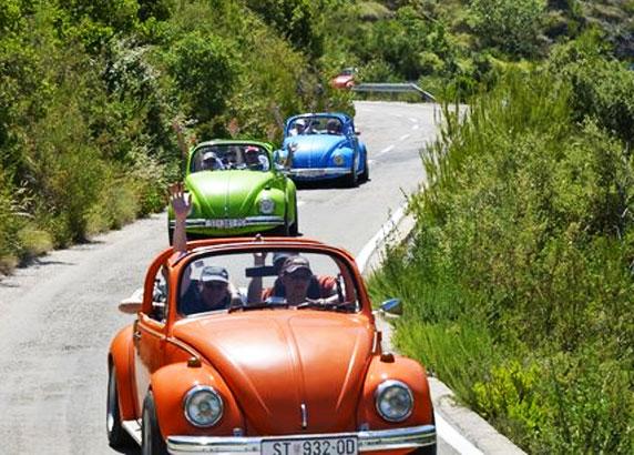 Met de stijlvolle Volkswagen Beetle-cabriolet op tour
